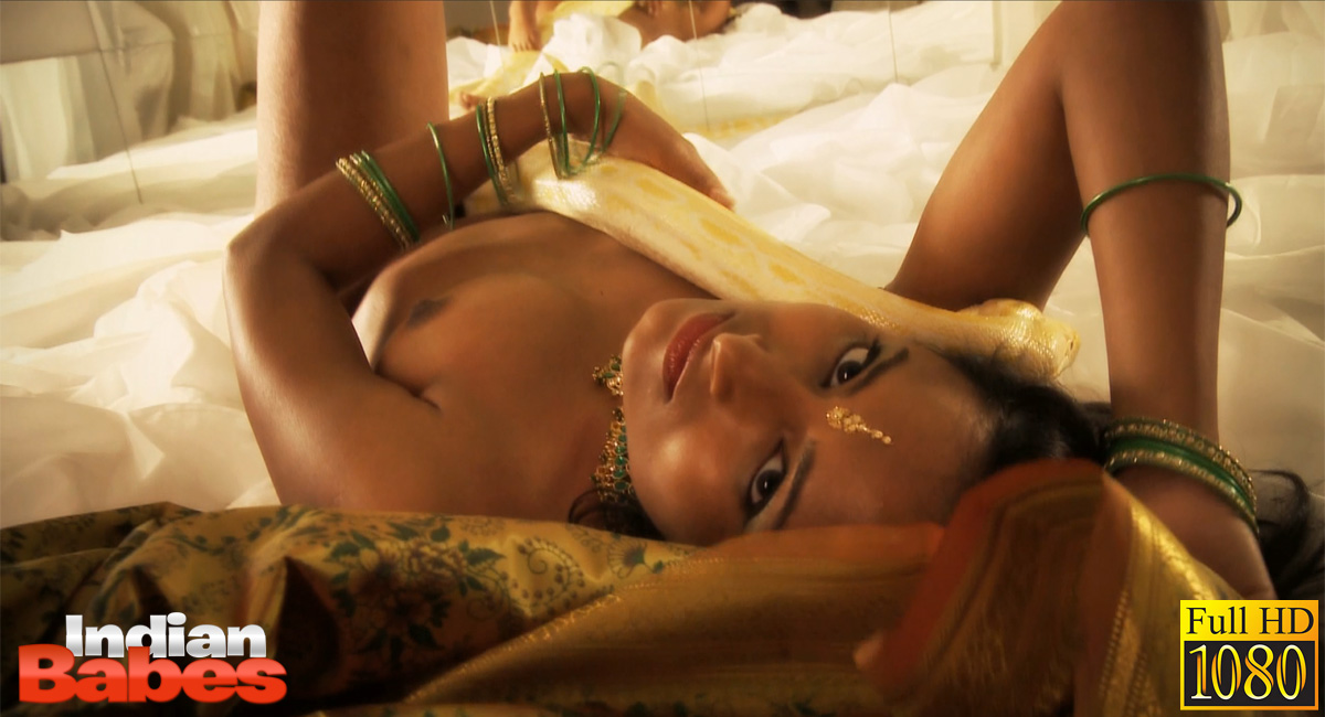 Ib video gal 05. Petite and flawless Indian babe preeti in snake charmer